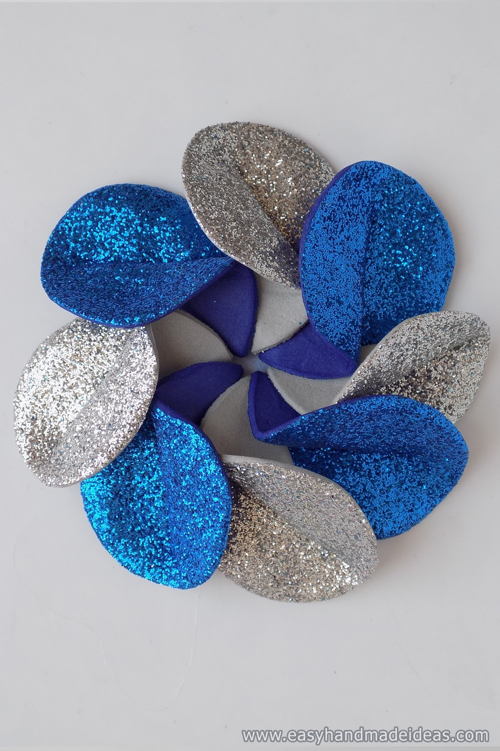 All Flower Petals is Glued to the Circle