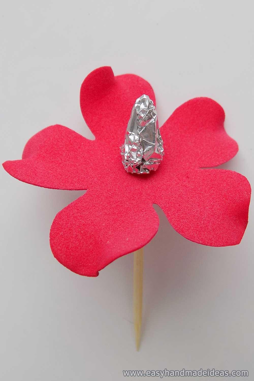 Foil Cone with Petals